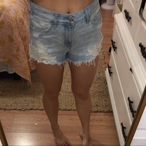 NEW HOLLISTER CROTCHET SHORTS